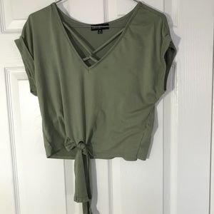 Almost Famous M olive green tie waist tee